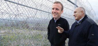 Нашата телена ограда е по-жестока от Берлинската стена