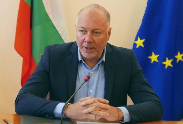 Кабинетът одобри 10 г. отсрочка на концесионните такси на летище София